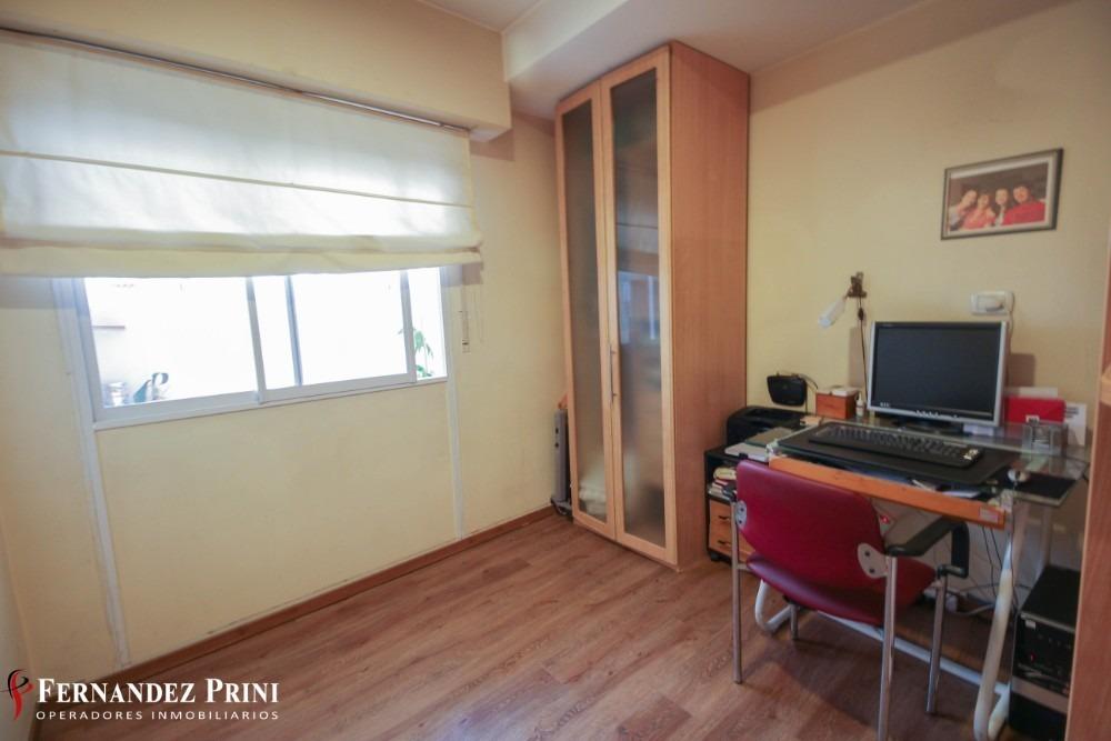 excelente departamento - 4 ambientes con dependencia