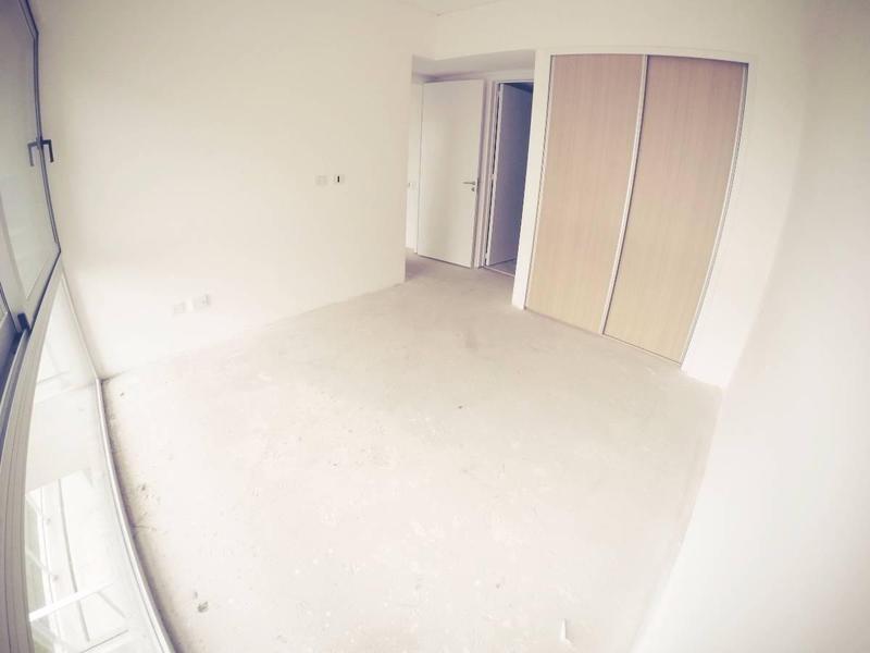 excelente departamento de 2 ambientes a estrenar con cochera cubierta