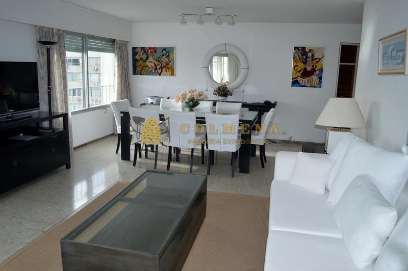 excelente departamento de 3 dormitorios con 2 baños servicio y garaje. a metros del puerto y del centro. consulte!!!!!!- ref: 1408