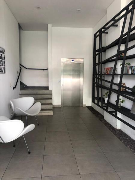 excelente departamento monoambiente en caballito con amenities cochera y parrilla en el balcón