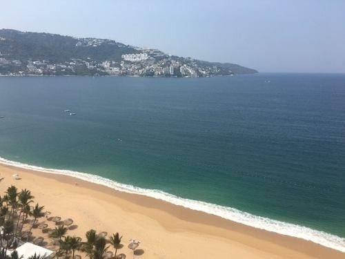 excelente departamento  sobre playa  y gran vista al mar, te