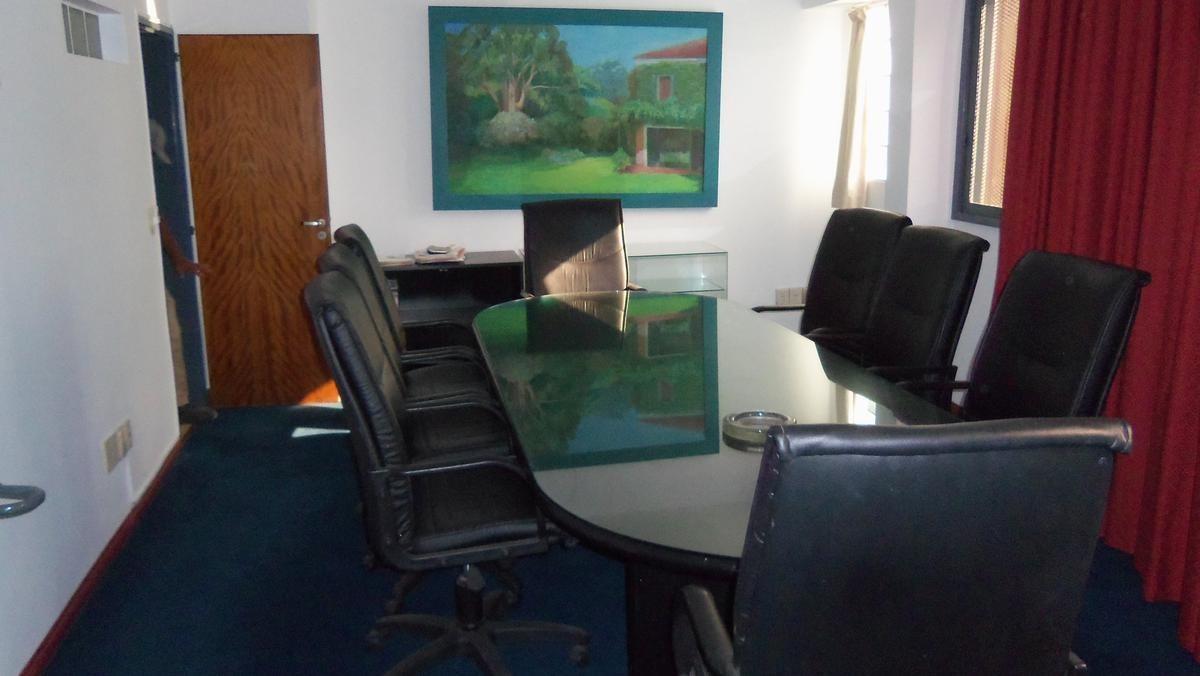 excelente depósito con oficinas