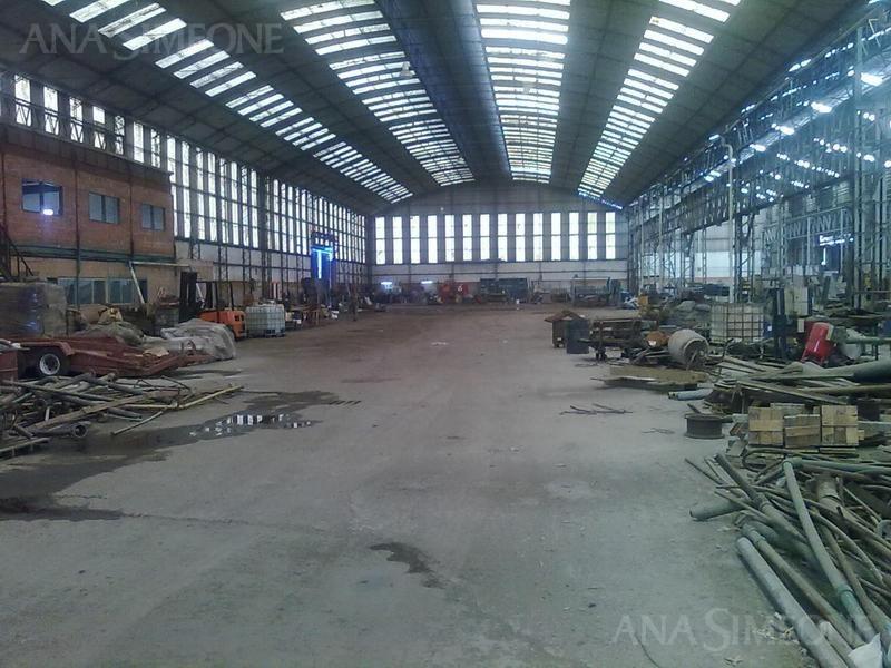 excelente depósito de 5300m2 dentro de recinto industrial