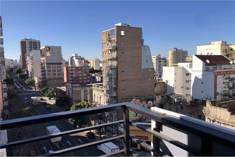 excelente depto 1 1/2 amb dividido convertido en 2 amb c/ balcon y amenities!