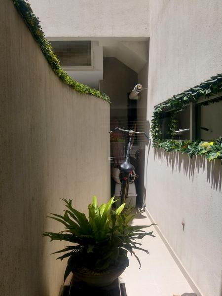 excelente depto con patio y jardin 4 amb. duplex