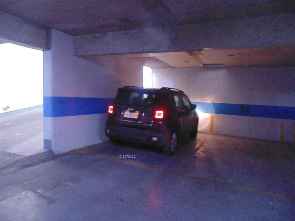 excelente depto. + estacionamiento + bodega + metro