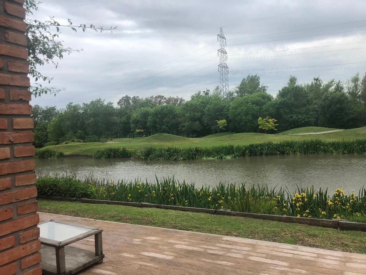 excelente dormi en el buenos aires golf club bella vista!