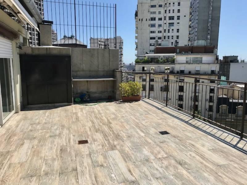 excelente duplex con terraza y parrilla propia recoleta