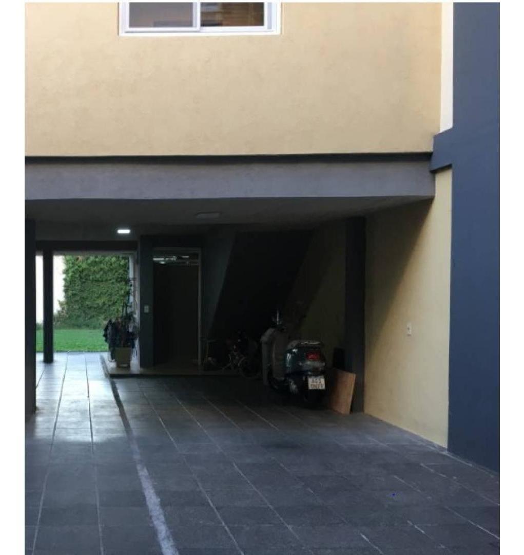 excelente duplex en 3 ambientes con cochera