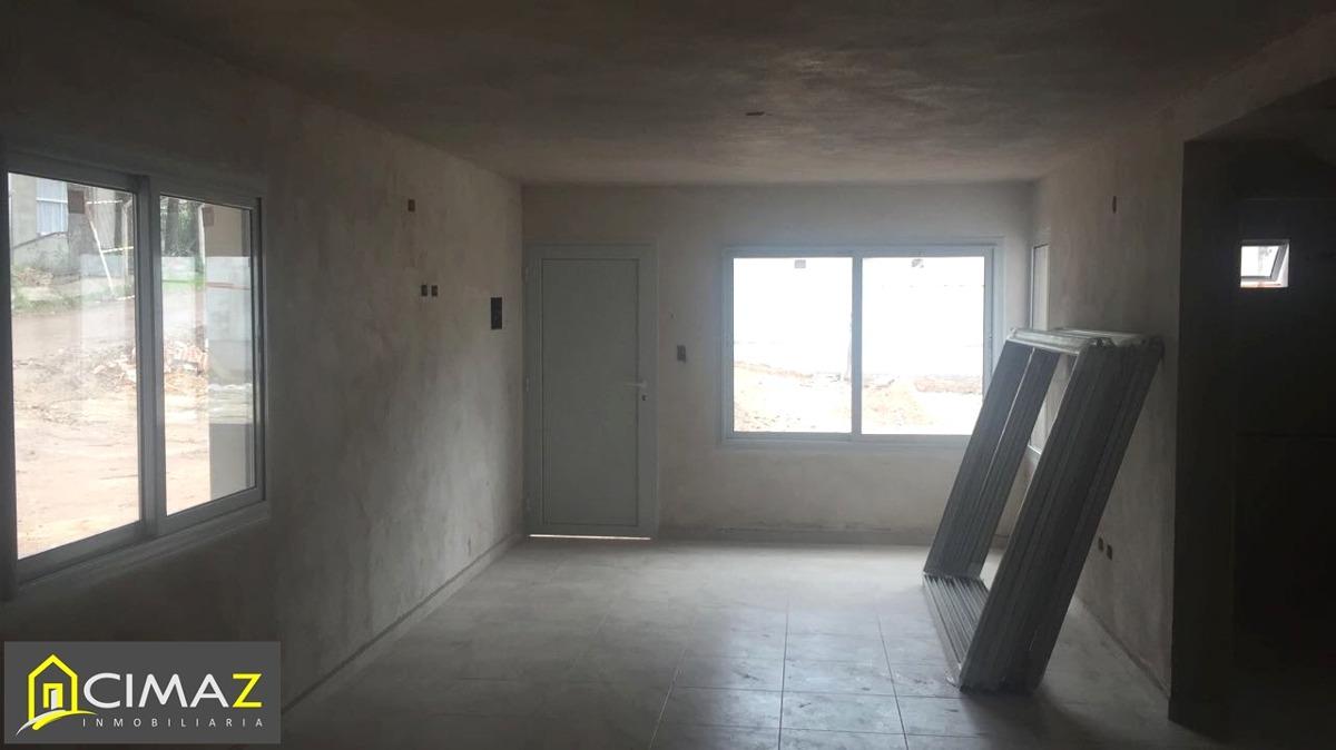 excelente duplex en barrio cerrado