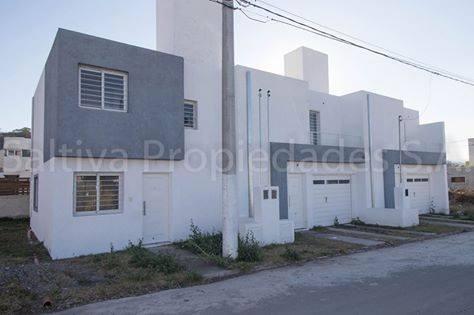 excelente duplex en barrio los prados ii en venta en pesos (