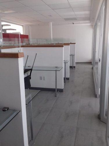 excelente edificio 3 pisos para oficinas con 20 cubículos divididos en 800 m2