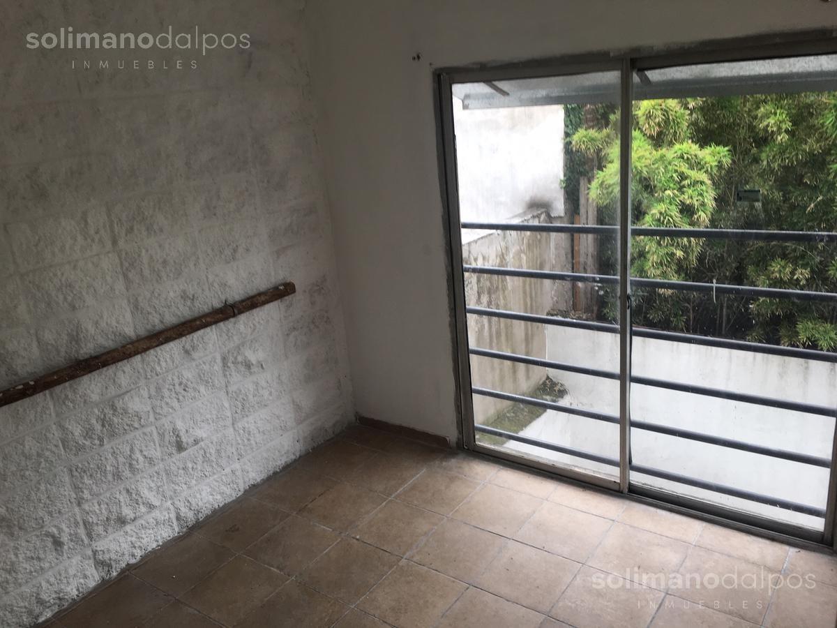 excelente edificio de 171 mts cub mas terraza libre de 70 mts en villa adelina