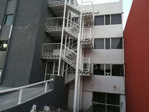 excelente edificio en renta frente a la uaq (mt)