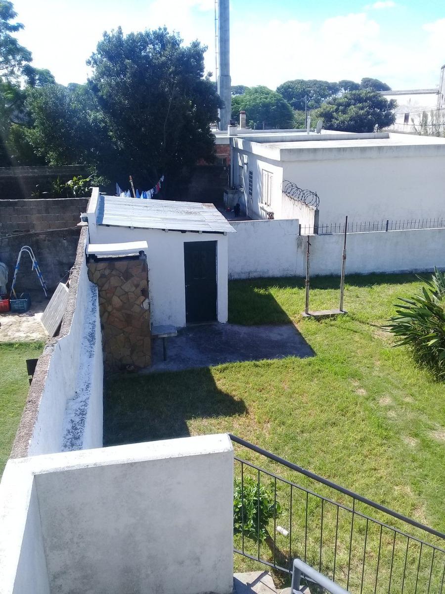 excelente esquina con dos viviendas que se pueden separar!!!