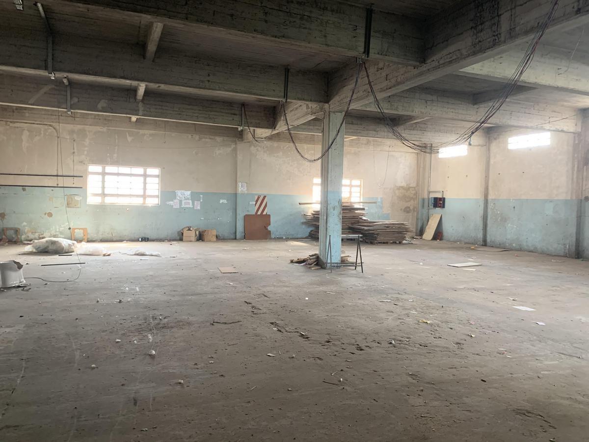 excelente establecimiento industrial de 1200 m2 en villa lynch