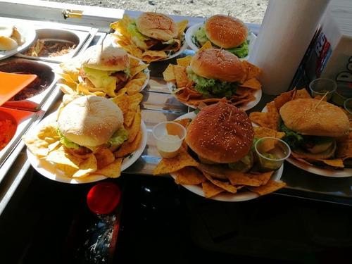 excelente food truck ( camión de comidas )