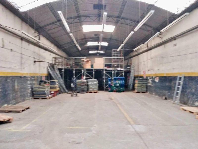 excelente galpón de 400m2 en zona industrial de munro