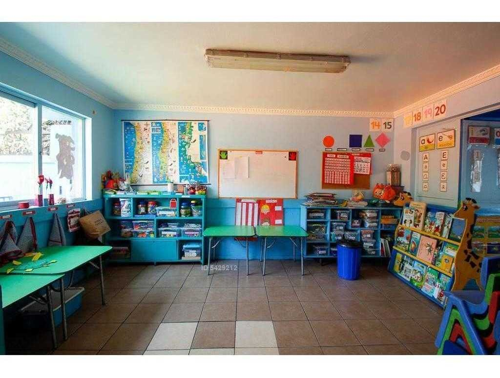 excelente jardín infantil funcionando - grecia / jorge monckeberg