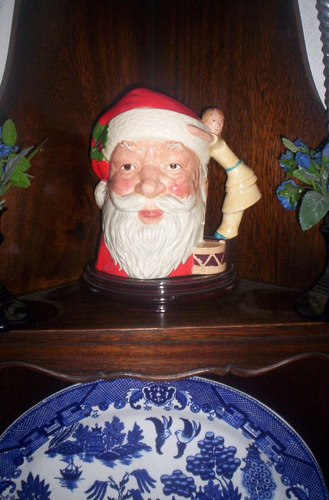 excelente jarra royal doulton santa claus con muñeca