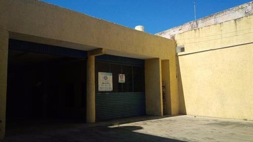 excelente local comercial con bodega en el centro de la ciudad de merida