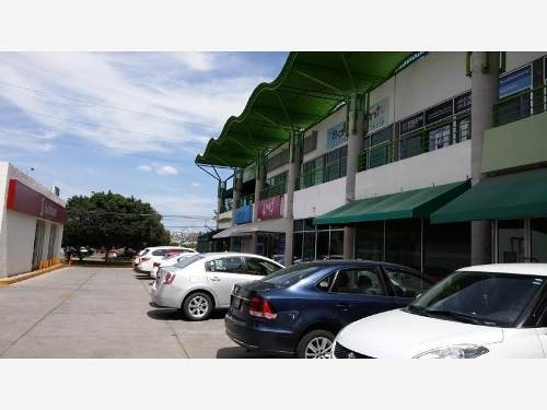 excelente local comercial de 59m2 en venta ubicado en colinas del cimatario !!
