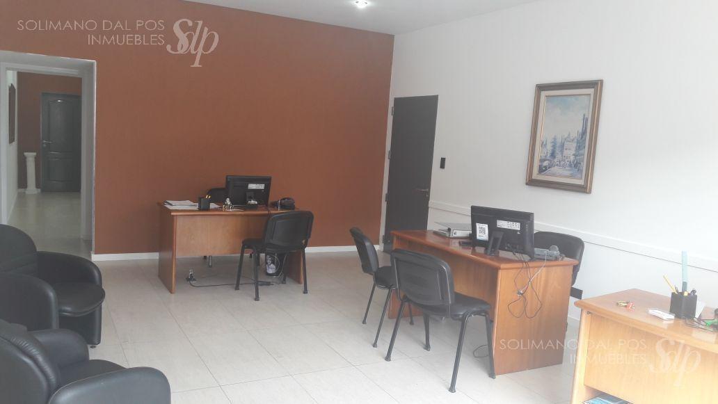 excelente local con oficinas sobre 230 mts - olivos-maipu/uzal