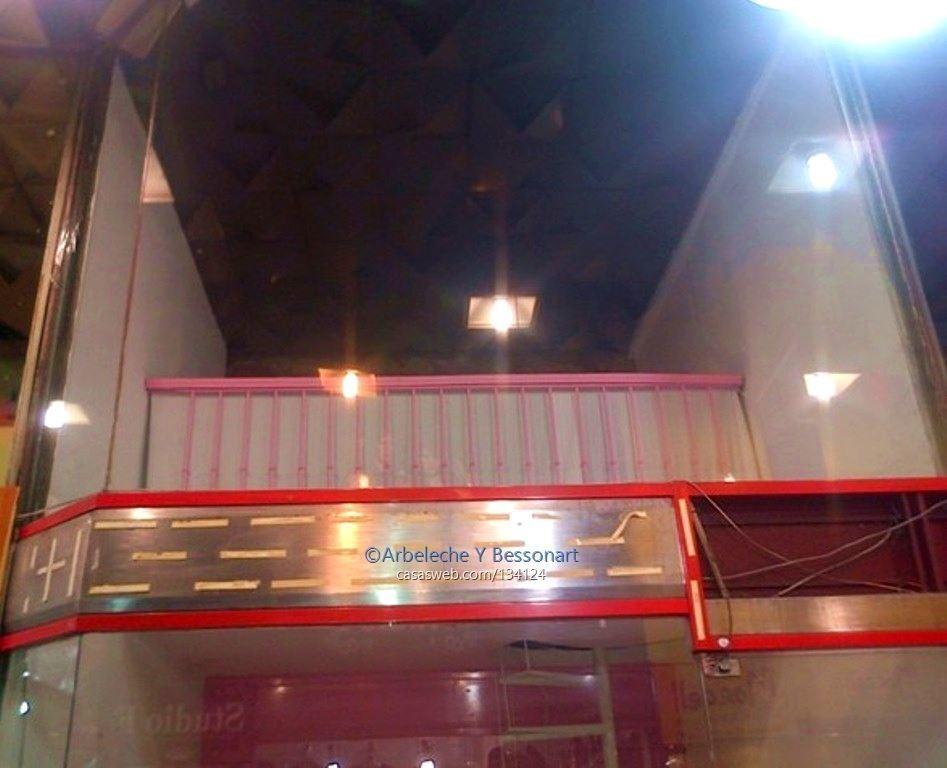 excelente local en galería 18 y convención!!!