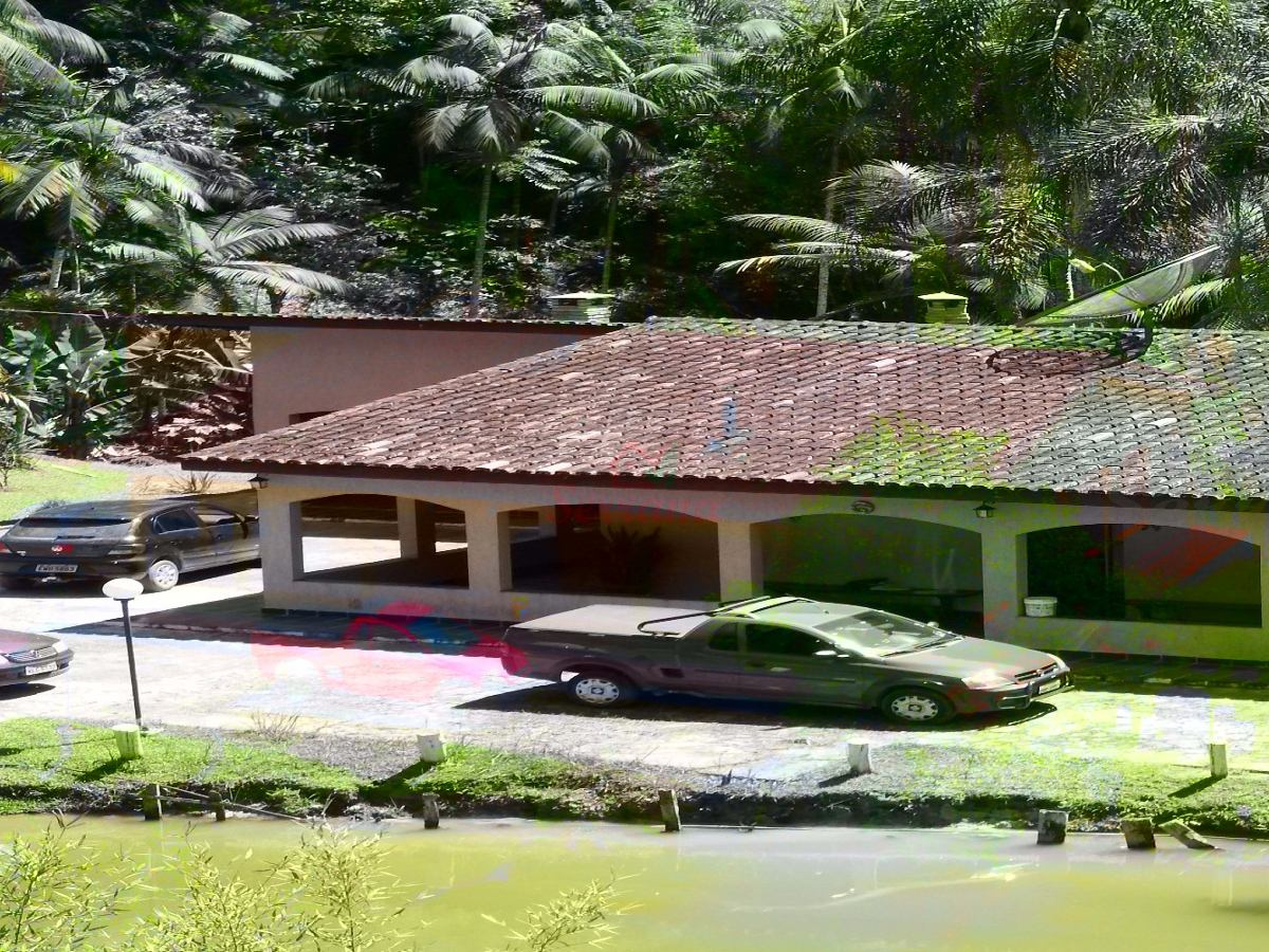 excelente localização sítio com lago piscina e churrasqueira