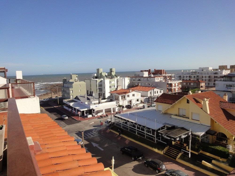excelente loft frente a playa el emir. todos los servicios.