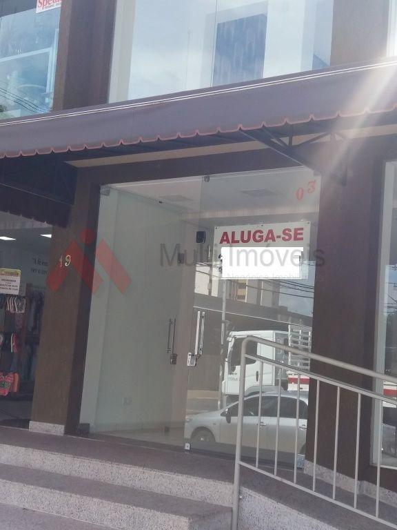 excelente loja reformada com vitrines, quase esquina com  sergipe - mi462