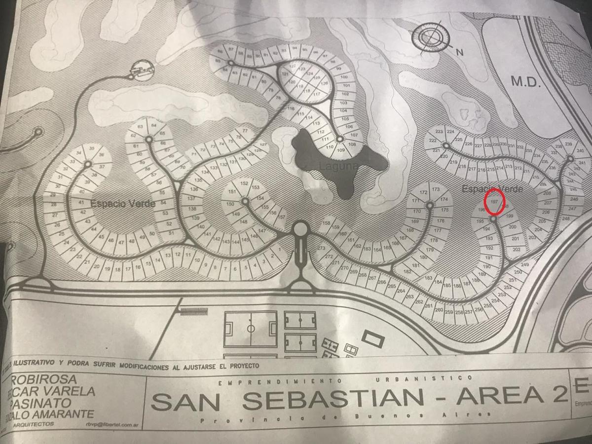 excelente lote al golf en barrio san sebastian.-