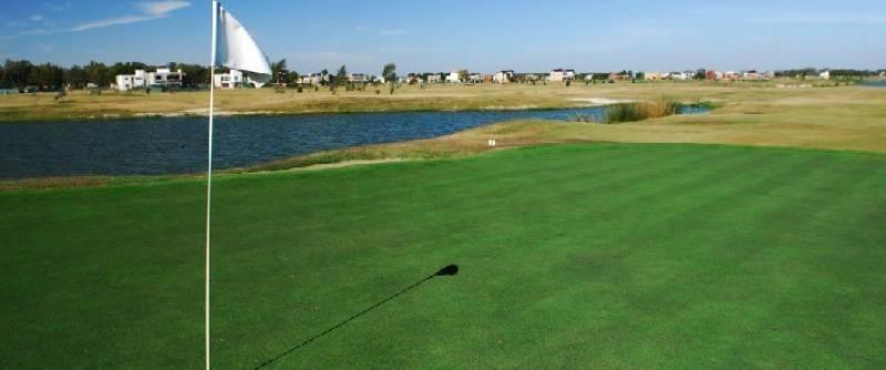excelente lote  al golf  en san isidro labrador