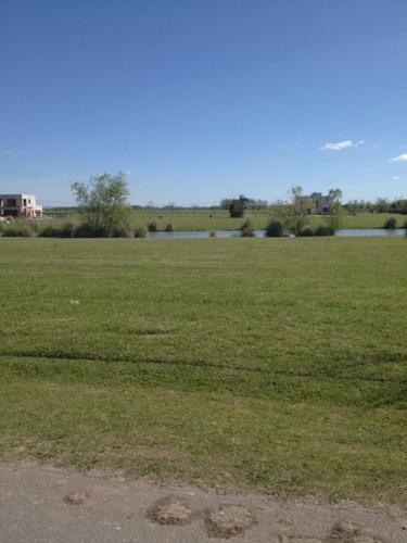 excelente lote central con vista a la laguna de 1250 m2.