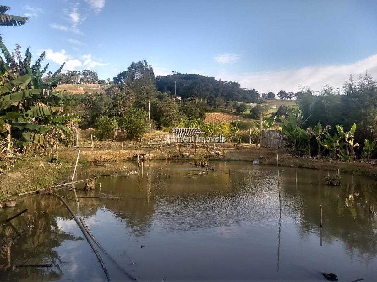 excelente lote com 4.000m² com lago e acesso tranquilo.