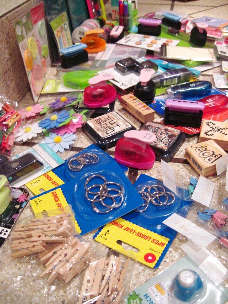 Excelente lote de accesorios material scrapbook sellos - Accesorios para scrapbooking ...