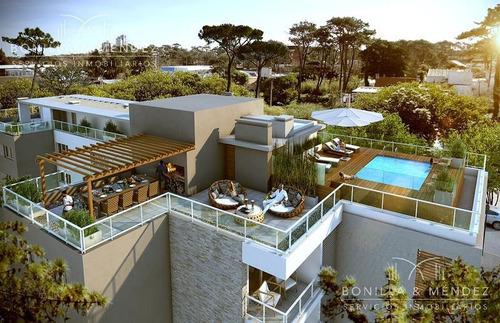 excelente lote en esquina, apto para bloque bajo, pb y 3 pisos, fot casi 1800 m2, valor retasado!!