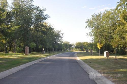 excelente lote interno orientacion noreste en zona elevada y arbolada del área 2 barrio san matias