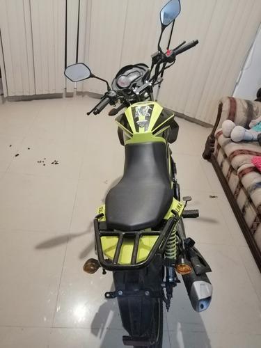 excelente moto, como nueva