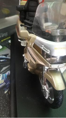 excelente moto honda gold wing 1:18. oficial honda.