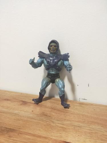 excelente muñeco skeletor de la saga máster of the universe