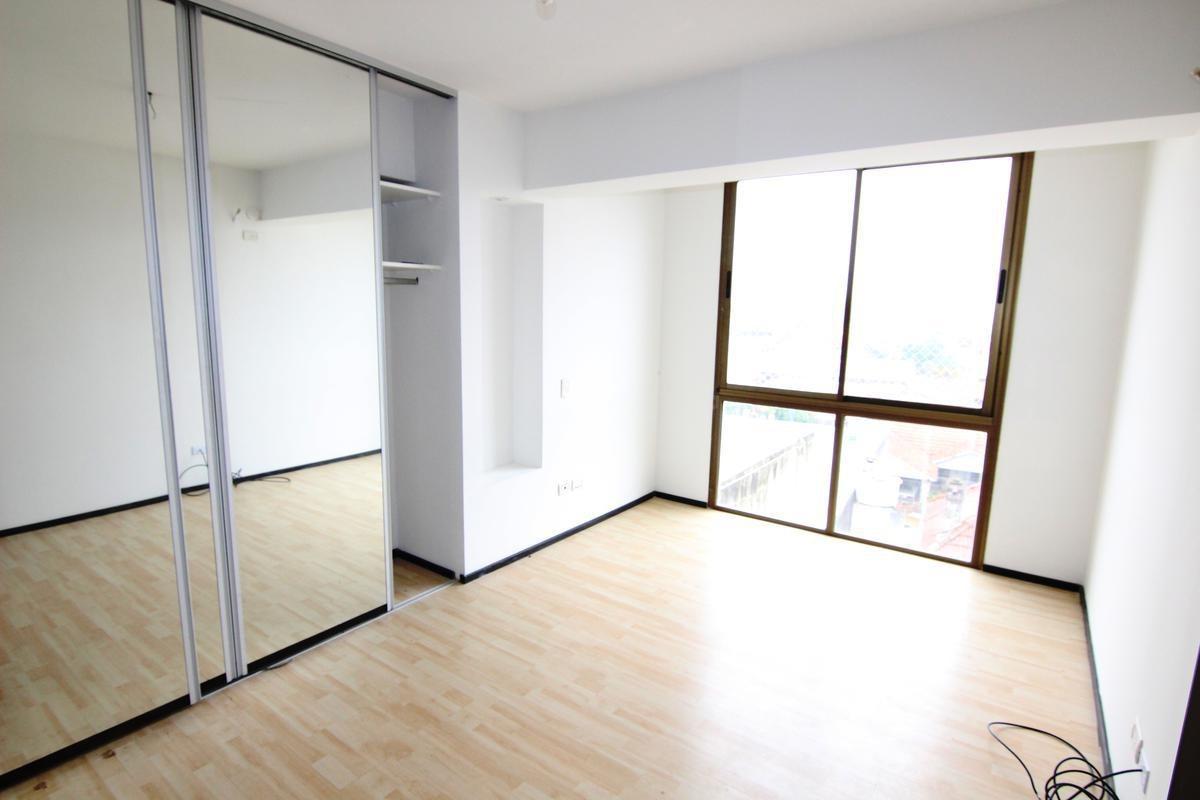 excelente oficina  4 ambientes  en olivos