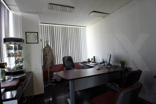 excelente oficina a una cuadra de reforma