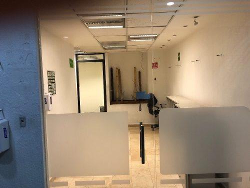 excelente oficina amueblada piso 5