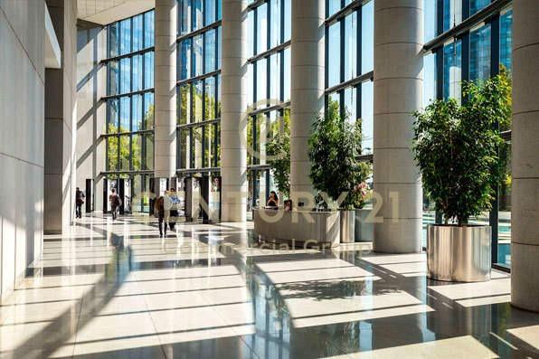 excelente oficina  de 2.027  m2 en piso 8, edificio titan...