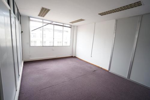 excelente oficina en el centro con muchos despachos y buenas