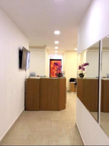 excelente oficina en renta amueblada para sector salud en interlomas