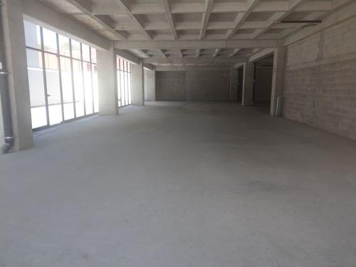 excelente oficina en renta de 1111 m2 en lomas de vista hermosa.