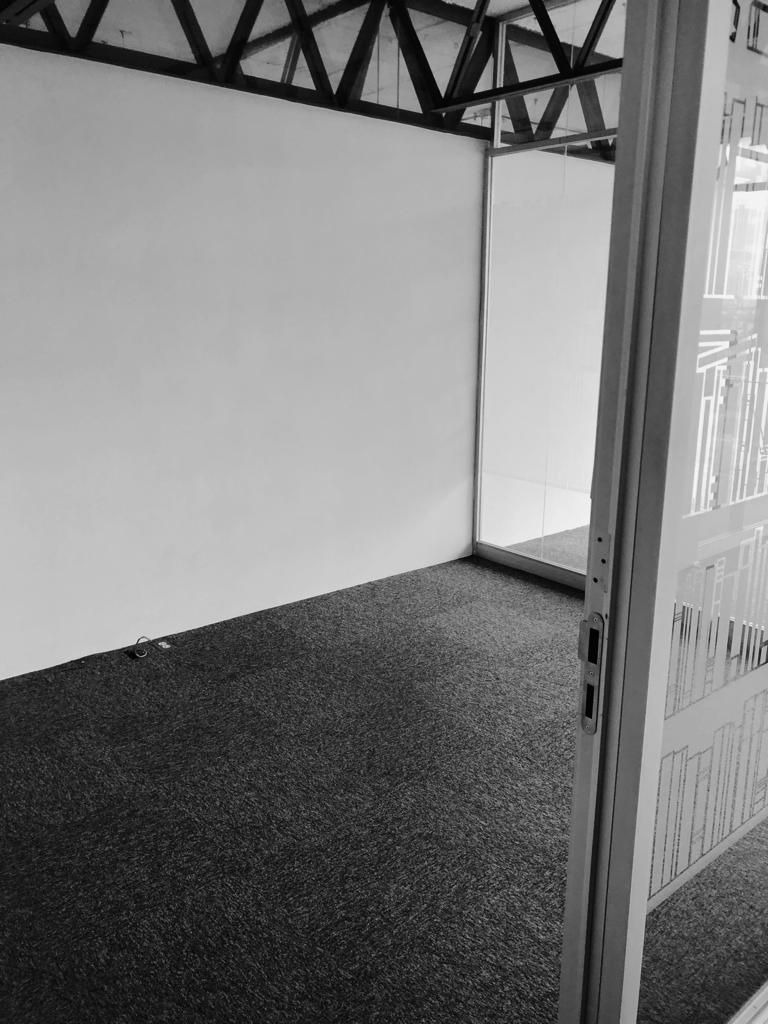 excelente oficina en renta de 200 m2 en guadalupe inn.