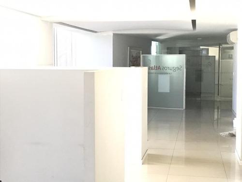 excelente oficina en renta de 350 m2 en parque san andres.